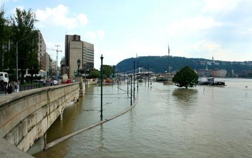 árvíz3
